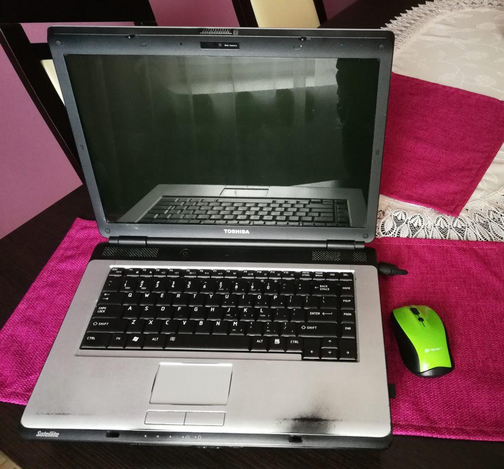 Jak przyśpieszyć starego laptopa Toshiba Satellite L300.