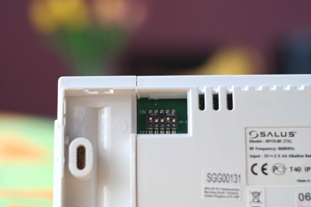 Mikroprzełączniki kodu adresu radiowego w Salus 091FLRF